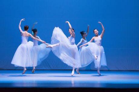 Tai dien chuong trinh 'Ballet voi Tchaikovsky va Ravel' - Anh 2