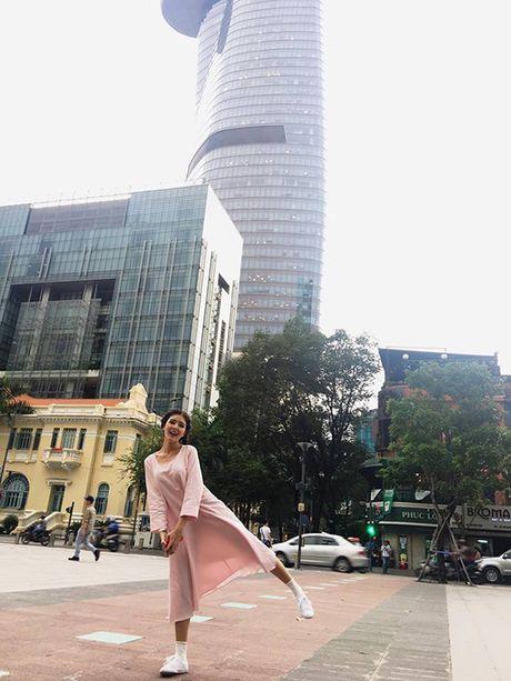 Sao Viet 18/10: Mai Ngo chinh anh 'nat tay', Ly Kute sang chanh dao pho - Anh 2