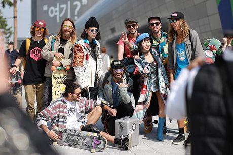 Sao, fashionista Viet ru nhau 'tray hoi' o Seoul Fashion Week - Anh 11