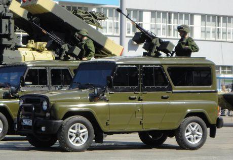 Xe ban tai UAZ Patriot Nga duoc lap sung may dua ra chien truong - Anh 3
