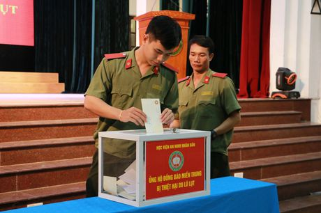 Hoc vien An ninh nhan phat dong ' Ung ho dong bao mien Trung bi thiet hai do bao lu' - Anh 5
