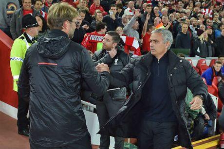 Hoa Liverpool, MU – Mourinho te nhat sau ca thap ky - Anh 2