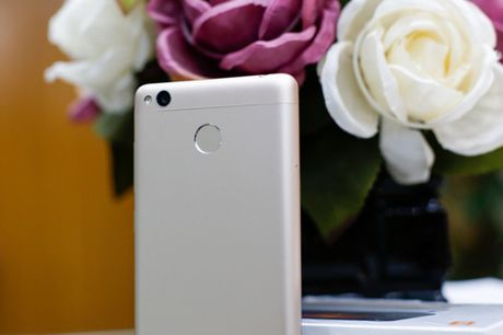 Tren tay dien thoai Xiaomi Redmi 3S - Anh 4