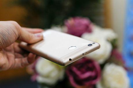 Tren tay dien thoai Xiaomi Redmi 3S - Anh 7