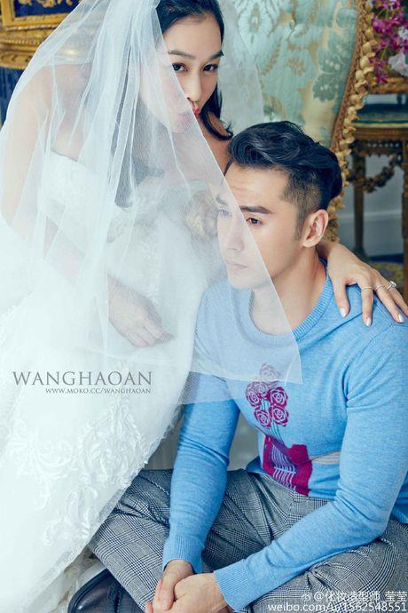 Anh cuoi long lanh cua Chung Le De voi hon phu kem 12 tuoi - Anh 5