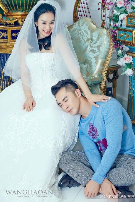 Anh cuoi long lanh cua Chung Le De voi hon phu kem 12 tuoi - Anh 6