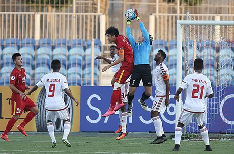 U19 Viet Nam chia diem voi UAE trong the thiet quan - Anh 9