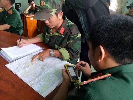 Bo Quoc phong thong tin chinh thuc vu may bay truc thang mat lien lac - Anh 5