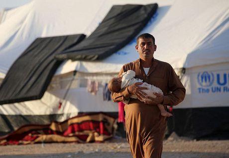 Hon 1 trieu nguoi o Mosul o at chay tron chien tranh trong vai ngay toi - Anh 1
