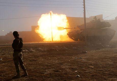 Hon 1 trieu nguoi o Mosul o at chay tron chien tranh trong vai ngay toi - Anh 4