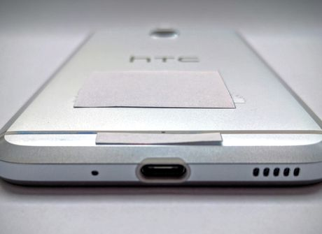 HTC Bolt se loai bo jack tai nghe 3,5 mm - Anh 3