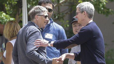 Bill Gates, Tim Cook tung la ung vien pho tong thong cua ba Clinton - Anh 1