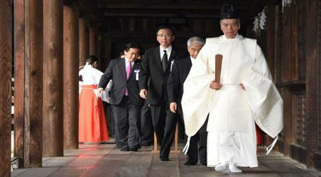 85 nghi si Nhat vieng den Yasukuni - Anh 1