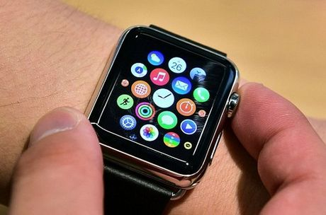 Chinh phu Anh cam Apple Watch khi hop vi so nghe len - Anh 1