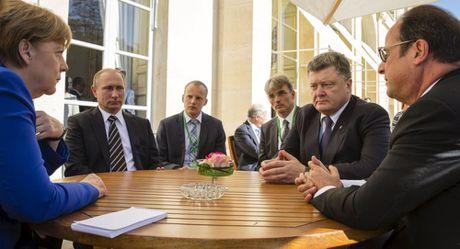 Lanh dao 4 nuoc hop ban 'buoc Nga thuc hien thoa thuan Minsk' ve Ukraine - Anh 1