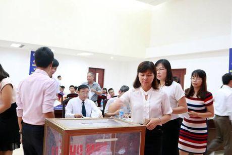 TCty COMA - CTCP to chuc Dai hoi Co dong lan I - Anh 2