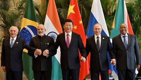 Hoi nghi thuong dinh BRICS: Song phuong loi hon da phuong - Anh 1