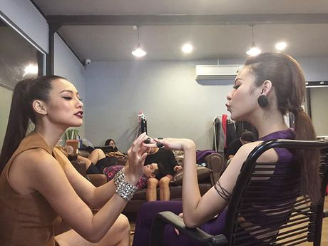 Sao Viet 18/10: Mai Ngo chinh anh 'nat tay', Ly Kute sang chanh dao pho - Anh 18
