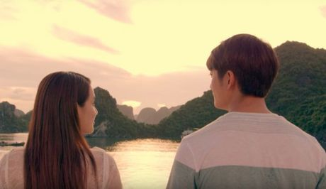 He lo noi dung 'Tuoi thanh xuan 2' - Vo van canh Linh va Junsu ben nhau - Anh 1