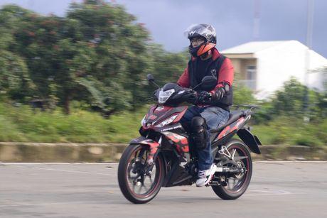 Honda Winner 150 tiep tuc gay an tuong trong chang chinh phuc cuc Dong - Anh 10