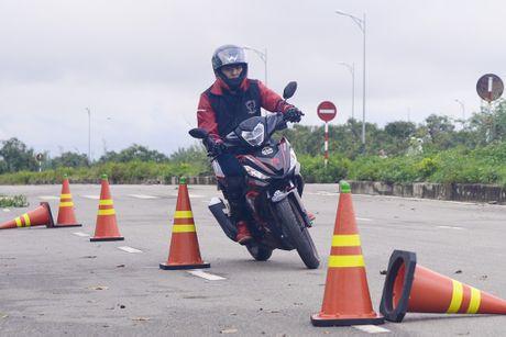 Honda Winner 150 tiep tuc gay an tuong trong chang chinh phuc cuc Dong - Anh 14