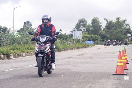 Honda Winner 150 tiep tuc gay an tuong trong chang chinh phuc cuc Dong - Anh 5