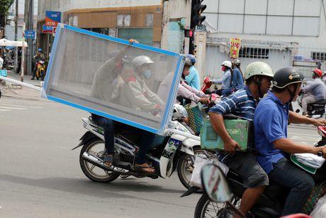 'Xe tu than' cho ton thep van tung hoanh khu Cho Lon - Anh 10