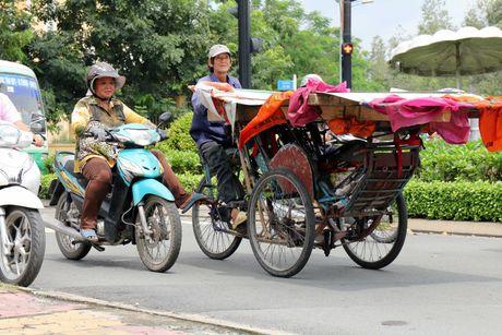 'Xe tu than' cho ton thep van tung hoanh khu Cho Lon - Anh 13