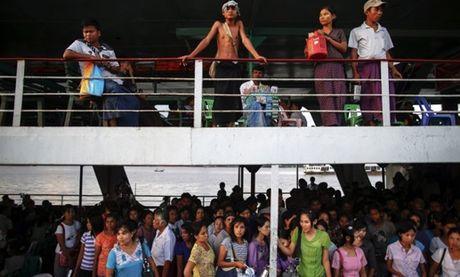 Chim pha o Myanmar, nhieu nguoi mat tich - Anh 1