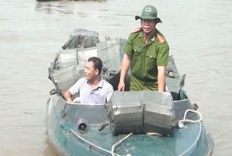 Can bo chong buon lau thuoc 'giang day' nhung van bi qua mat - Anh 1