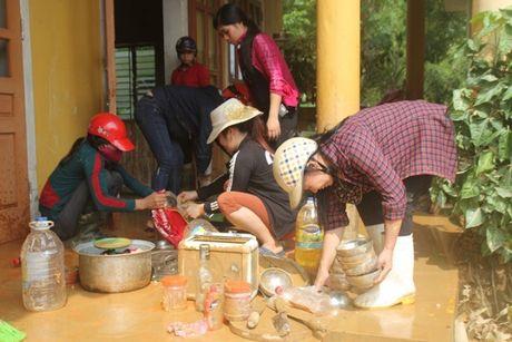 Khac phuc hau qua o vung ron lu Huong Khe - Anh 3