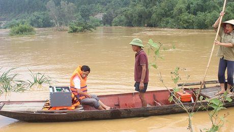 VNPT no luc dam bao lien lac thong suot trong mua lu mien Trung - Anh 2