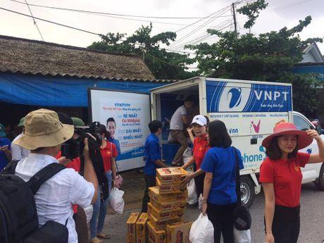 VNPT no luc dam bao lien lac thong suot trong mua lu mien Trung - Anh 5