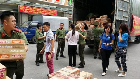 VNPT no luc dam bao lien lac thong suot trong mua lu mien Trung - Anh 6