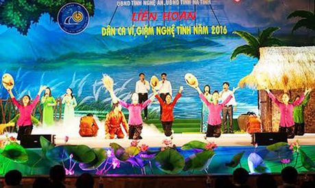 Khai mac Lien hoan dan ca vi, giam Nghe Tinh nam 2016 - Anh 1