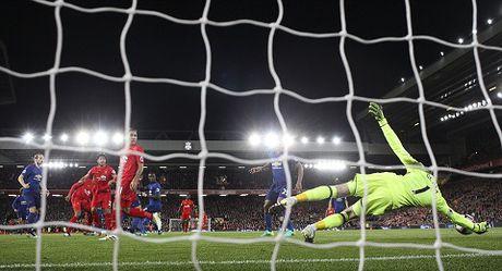 Man United da bat dau nem mui 'cai gia cua thanh cong' voi Mourinho - Anh 4