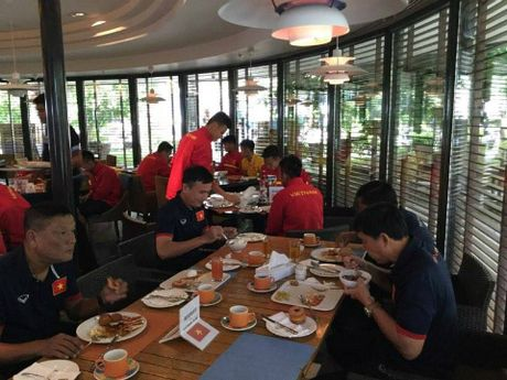 HLV Hoang Anh Tuan: 'U19 Viet Nam da quen su co the do Trong Dai' - Anh 2