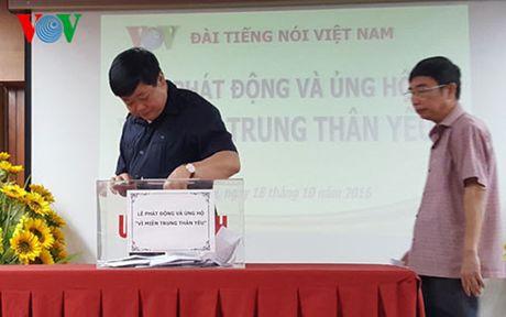 VOV to chuc phat dong va ung ho 'Vi mien Trung than yeu' - Anh 2