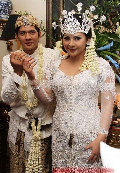 'Ly Tieu Long Indonesia' - Ngoi sao tinh cam voi vo con - Anh 2