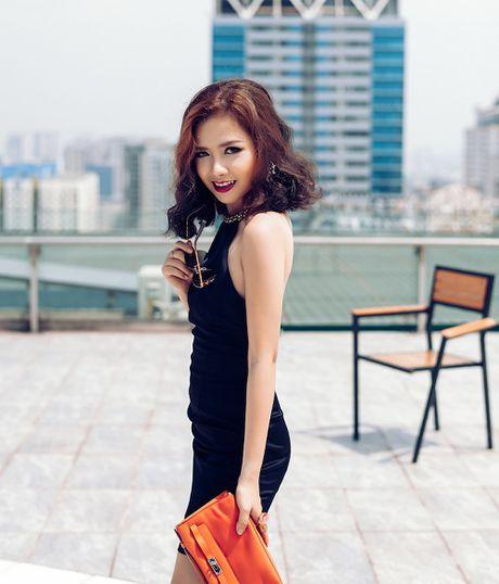 Duong Hoang Yen khoe hang hieu tram trieu dip 20.10 - Anh 5