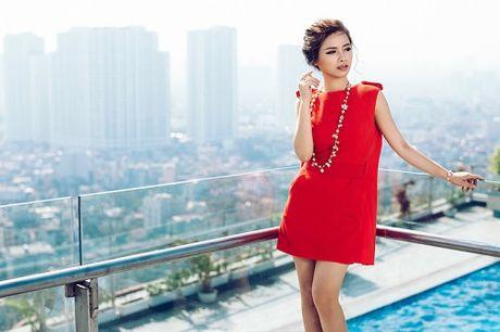 Duong Hoang Yen khoe hang hieu tram trieu dip 20.10 - Anh 7