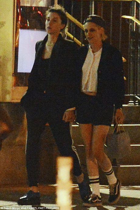 Kristen Stewart khoa moi ban gai dong tinh moi - Anh 7
