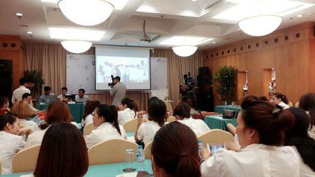 Thanh tra So Y te 'tuyt coi' cong ty Cell Pharma vi to chuc hoi thao 'chui' - Anh 1