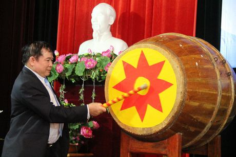 Thu truong Bui Van Ga danh trong khai giang nam hoc moi tai Hoc vien Quan ly Giao duc - Anh 2
