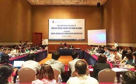 Hoi thao khoa hoc quoc te 'Bao chi ASEAN: Nhung goc nhin so sanh' - Anh 1