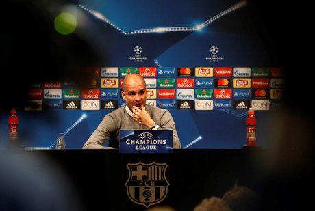 'Guardiola da bien Man City thanh Barcelona' - Anh 1