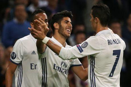 """Real Madrid """"nghien nat"""" Legia Warsaw o Bernabeu - Anh 6"""
