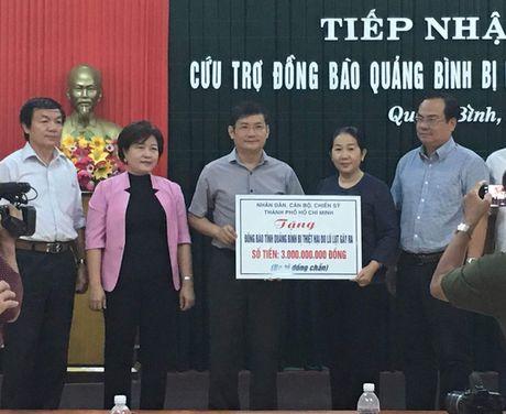 TP HCM ung ho 4,5 ti dong giup Quang Binh, Thua Thien- Hue khac phuc thiet hai sau lu - Anh 1