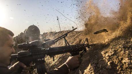 Khung bo IS dung dan thuong lam 'la chan' trong cuoc chien tai Mosul - Anh 1