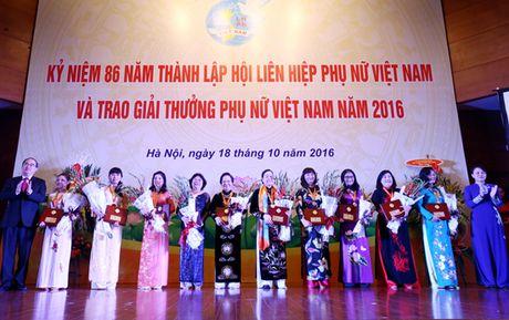 Giai thuong Phu nu Viet Nam nam 2016: 16 tap the, ca nhan duoc vinh danh - Anh 1